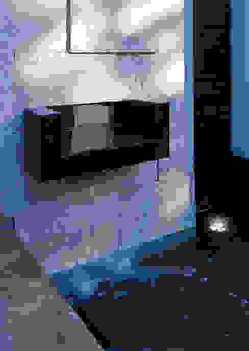 FUENTE Casas estilo moderno: ideas, arquitectura e imágenes de Excelencia en Diseño Moderno Piedra