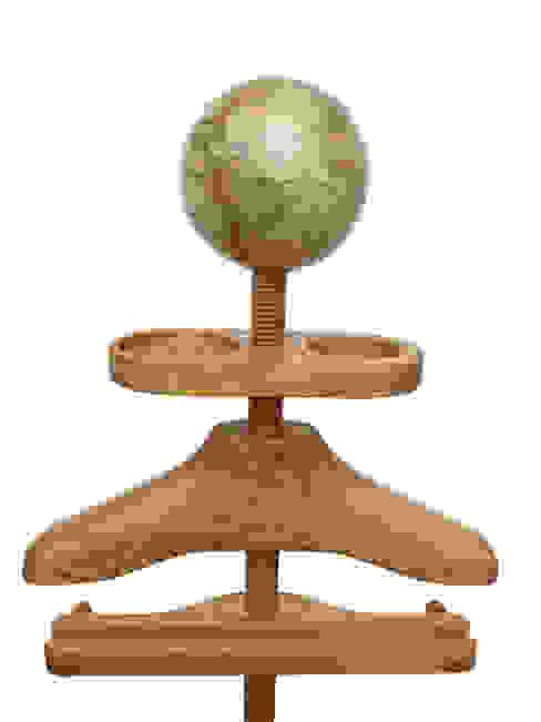 Hatstand Valet in oak with a handmade globe hat rest par Gentleman's Valet Company Éclectique Bois Effet bois