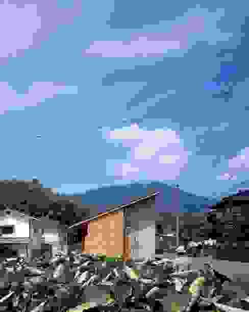 Minimalist houses by TENK Minimalist