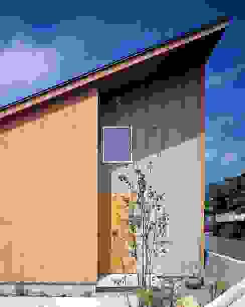 Minimalist house by TENK Minimalist