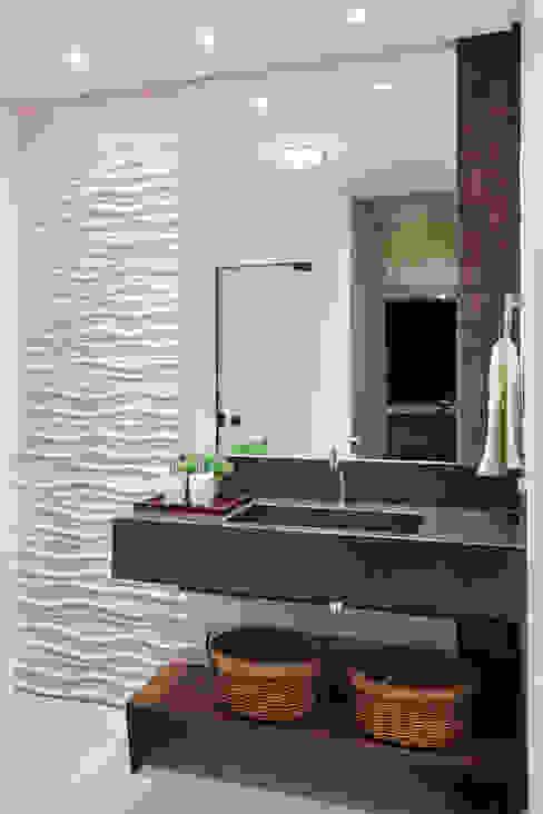 Ванные комнаты в . Автор – Studio AZ, Модерн