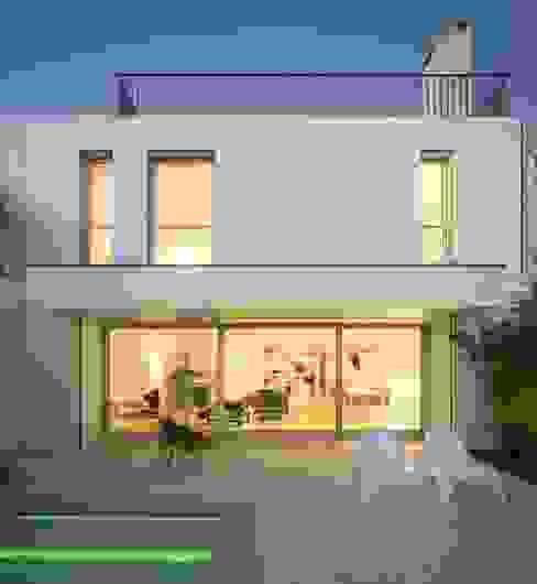 Humberto Conde R. Arquitectura Lda Будинки