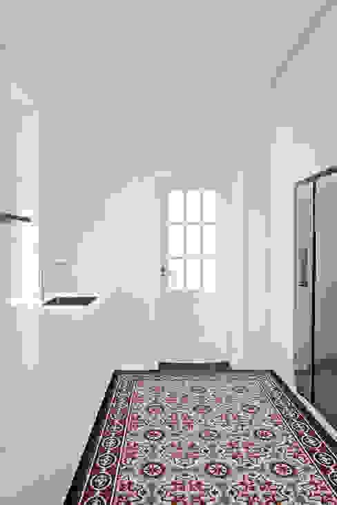 berlincuisine Modern kitchen White