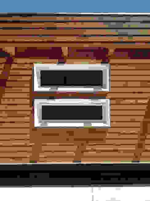 Detalle de fachada Constructora CONOR Ltda - Arquitectura / Construcción Casas estilo moderno: ideas, arquitectura e imágenes