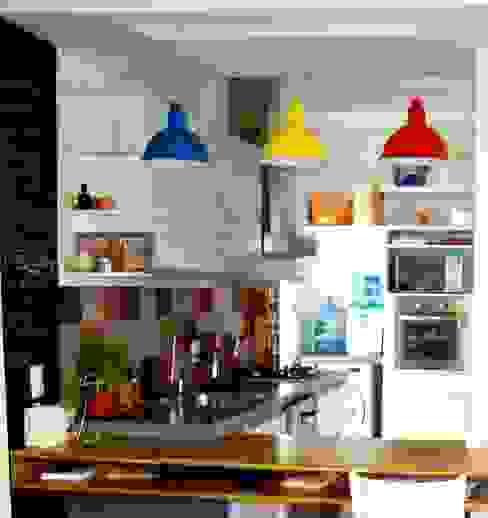 Kitchen by BF Sustentabilidade, Arquitetura e Iluminação