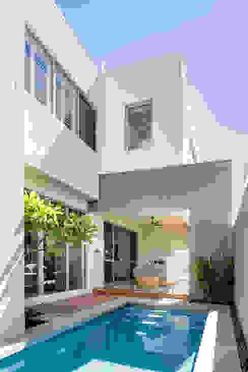 Pool/Exterior Casas modernas de Moda Interiors Moderno Concreto