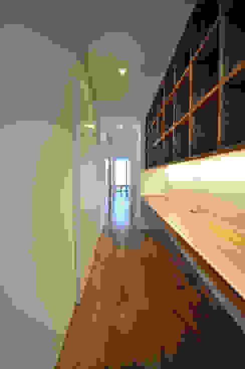 Estudios y oficinas de estilo  por 門一級建築士事務所