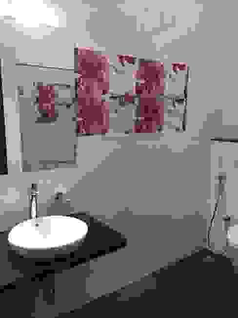 Children bathroom Modern bathroom by Hasta architects Modern