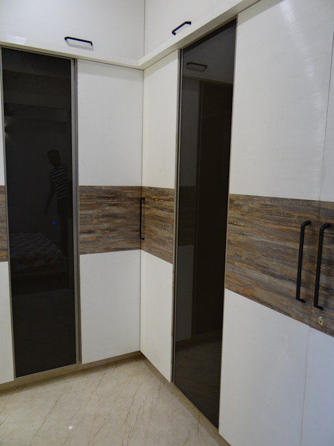 master bedroom dressing Modern dressing room by Hasta architects Modern