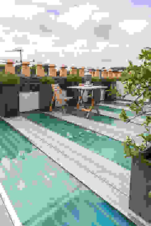 Kensington, SW5 - Renovation Modern balcony, veranda & terrace by TOTUS Modern