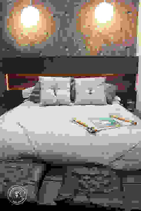 :  Bedroom by Mariana Von Kruger Emme Interiores,