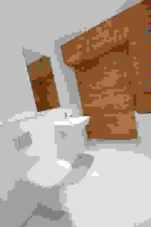 Albert Mill Apartments in Manchester Modern Bathroom by Studio Maurice Shapero Modern