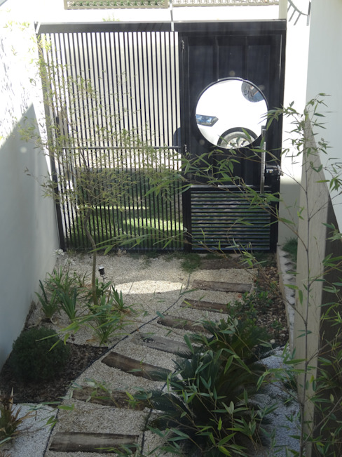 Casa SN Lozí - Projeto e Obra Corredores, halls e escadas minimalistas