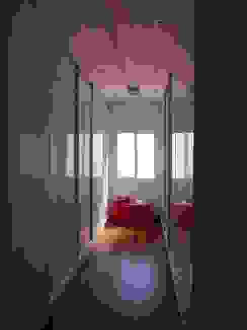 Casa SN Closets por Lozí - Projeto e Obra Moderno