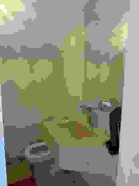 Casa SN Lozí - Projeto e Obra Banheiros minimalistas