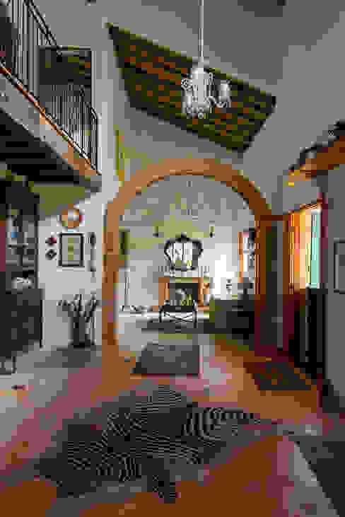 Rustic style living room by Valquiria Leite Arquitetura e Urbanismo Rustic