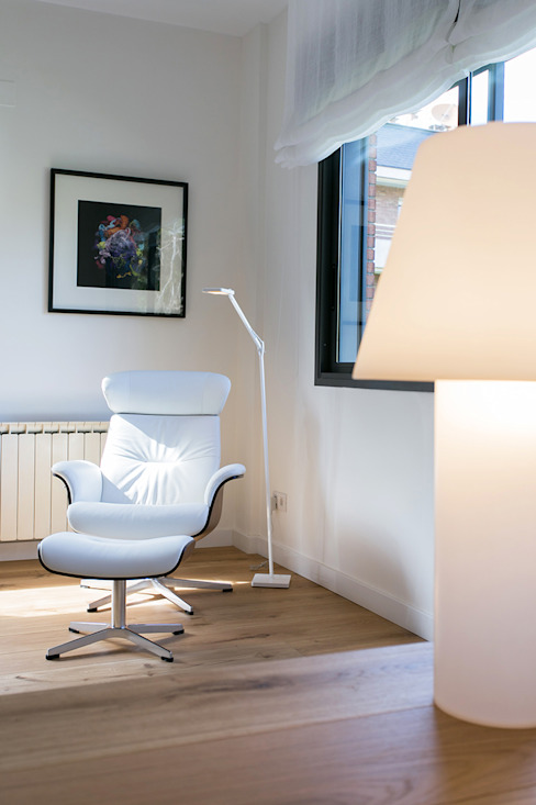 Piso en Sarrià Salones de estilo minimalista de dom arquitectura Minimalista