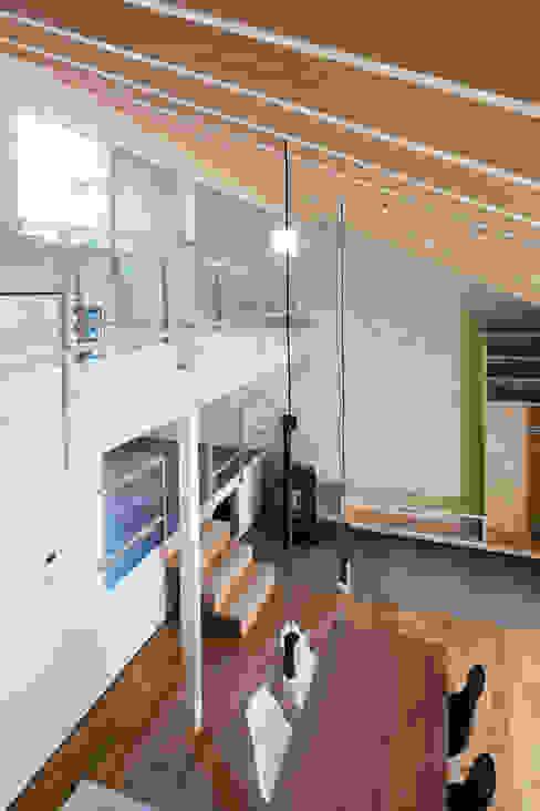 Void オリジナルな 壁&床 の 一級建築士事務所 Atelier Casa オリジナル 無垢材 多色