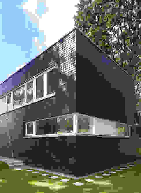 房子 by Justus Mayser Architekt, 現代風
