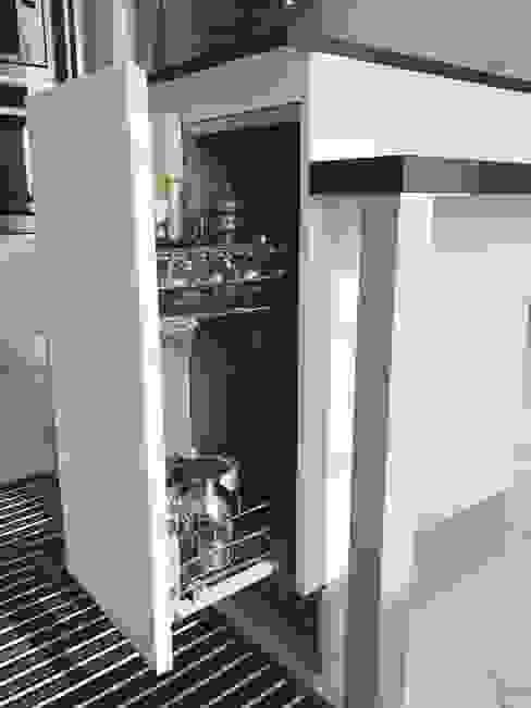 M16 architetti Nowoczesna kuchnia