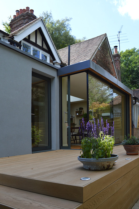 The Full Height Glazed Extension Features a Corner Slider Modern Houses by ArchitectureLIVE Modern Glass