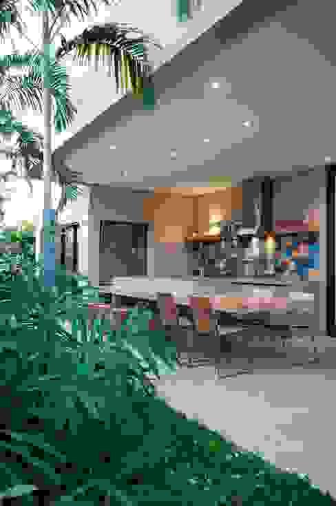 Casas modernas: Ideas, imágenes y decoración de Elisa Vasconcelos Arquitetura Interiores Moderno