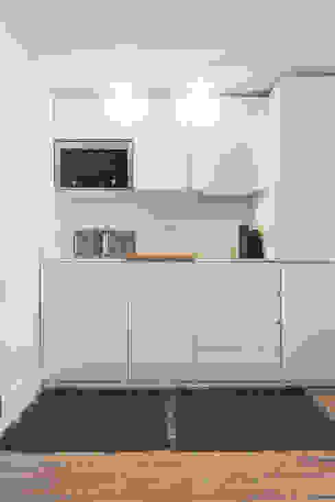 Kitchenette_Remodelação Apartamento_Ajuda | Lisboa PT OW ARQUITECTOS lda | simplicity works Cozinhas pequenas Branco