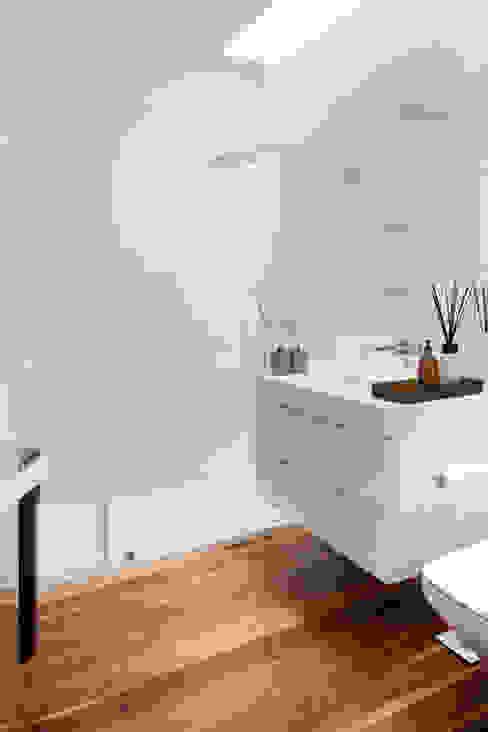 Casa de Banho Casas de banho modernas por GAVINHO Architecture & Interiors Moderno