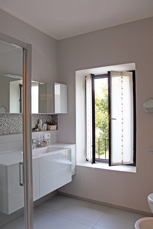 SuMisura Modern style bathrooms