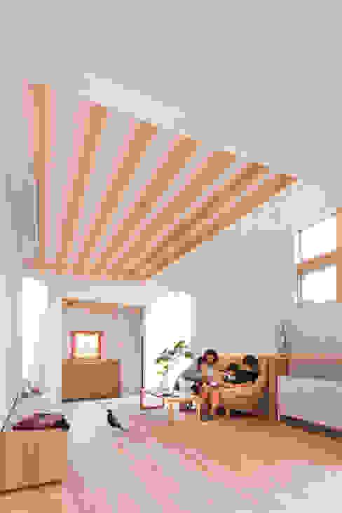 Casas de estilo  por ALTS DESIGN OFFICE, Escandinavo Madera Acabado en madera