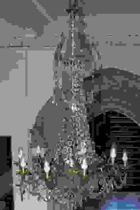 Chandeliers for Public School Коридор, прихожая и лестница в классическом стиле от Classical Chandeliers Классический