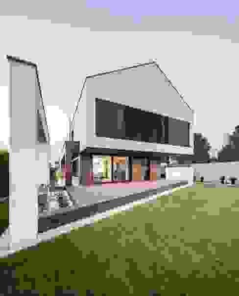 Moderne huizen van BECZAK / BECZAK / ARCHITEKCI Modern