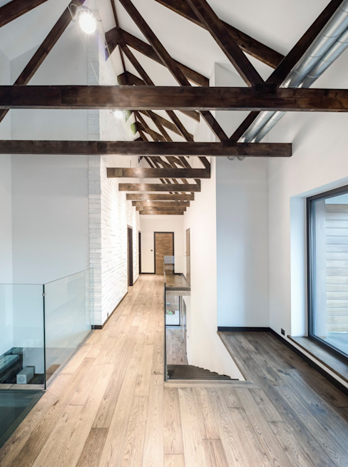 Modern Corridor, Hallway and Staircase by BECZAK / BECZAK / ARCHITEKCI Modern