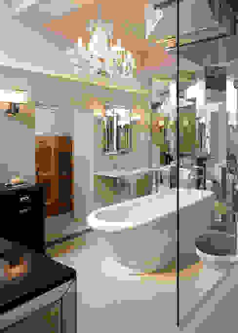 Ванные комнаты в . Автор – Classical Chandeliers