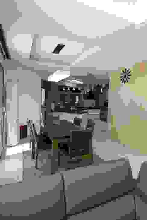 Cuisine de style  par 피앤이(P&E)건축사사무소