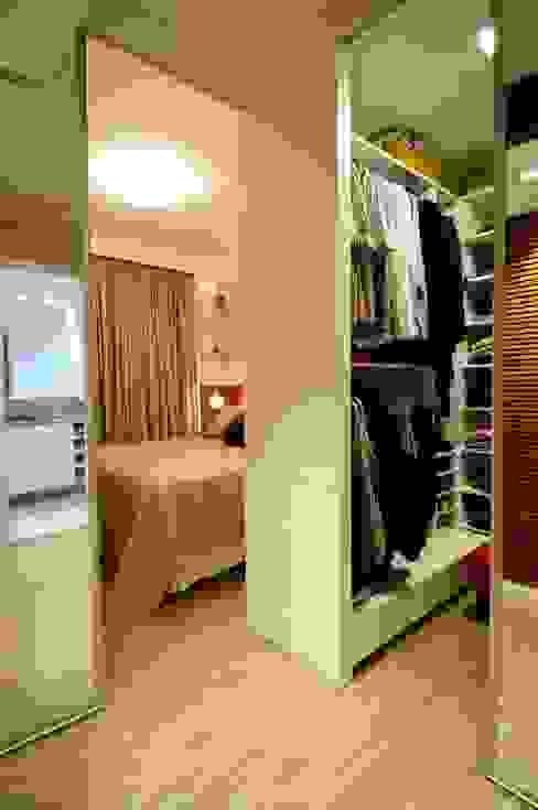Closets de estilo moderno de João Linck | Arquitetura Moderno