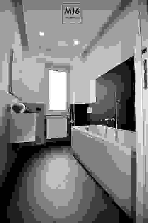 M16 architetti Modern Bathroom