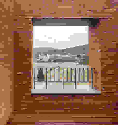 Modern style balcony, porch & terrace by 서가 건축사사무소 Modern