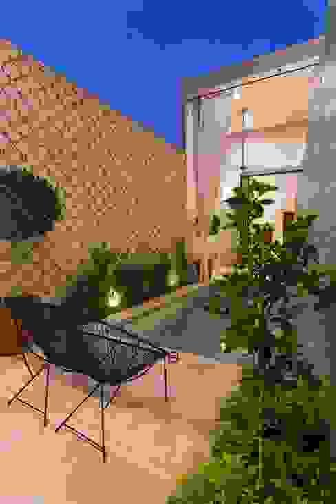 Moderne Pools von Taller Estilo Arquitectura Modern Beton
