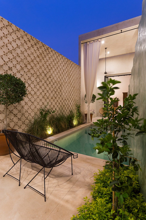 Casa del Limonero: Albercas de estilo  por Taller Estilo Arquitectura, Moderno Concreto