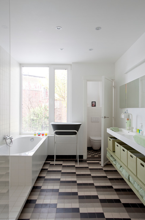Salle de bain moderne par studio k interieur en landschapsarchitecten Moderne