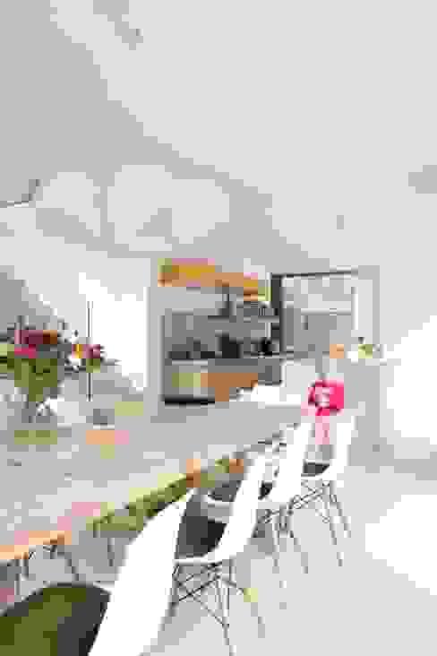 Modern Kitchen by studio k interieur en landschapsarchitecten Modern