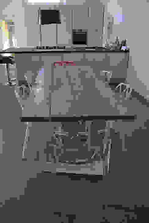 TAVOLO LIBECCIO:  in stile industriale di Elena Valenti Studio Design, Industrial Legno massello Variopinto