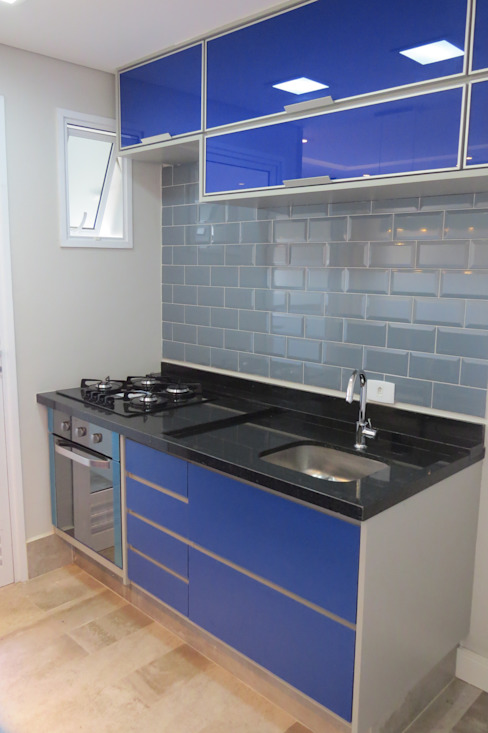 Concept Engenharia + Design Modern kitchen Glass Blue