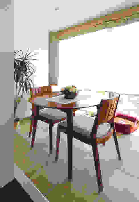 Varandas, alpendres e terraços modernos por シーズ・アーキスタディオ建築設計室 Moderno