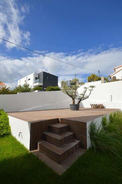 Modern Houses by Arquitecto Telmo Modern