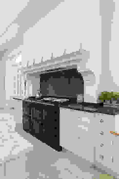 Frensham Classic style kitchen by Lewis Alderson Classic