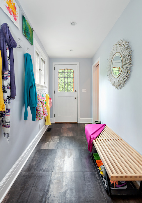 Mudroom Clean Design Modern Corridor, Hallway and Staircase