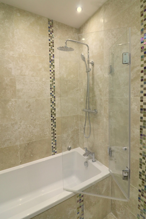 Folding frameless glass bathscreen Modern bathroom by Ion Glass Modern Glass