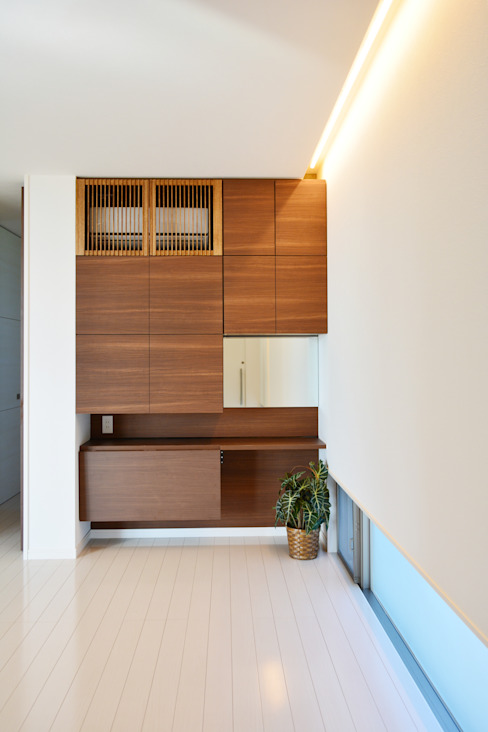 全体が浮かぶ家 久友設計株式会社 ミニマルデザインの 多目的室